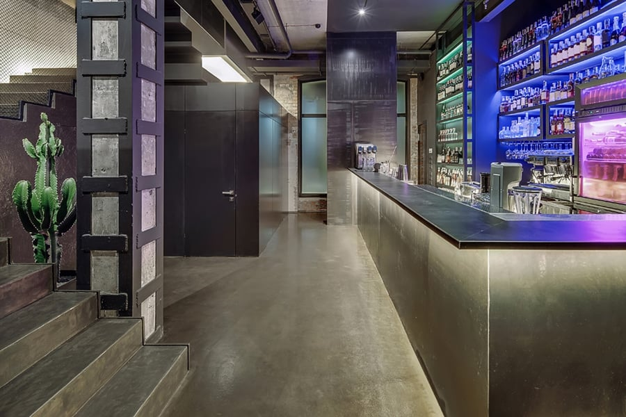 restaurant bar concrete floors